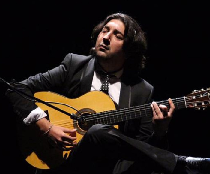 "The internationally-acclaimed flamenco guitarist presents his new album, ""Dos partes de mi"", in one of the most beautiful concert halls in the world: the Palau de la Música Catalana."