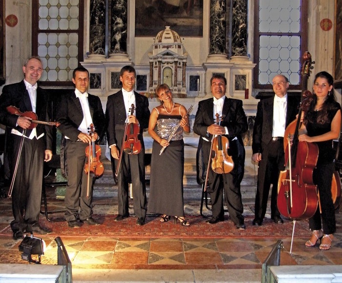Most famous Opera Arias performed by splendid voices and Venice String Quartet